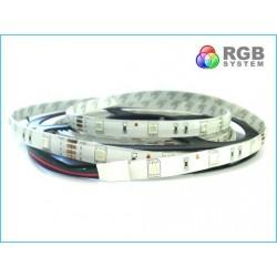 Bobina Led Impermeabile 5 Metri 150 SMD RGB A 7 Colori Sfondo Bianco